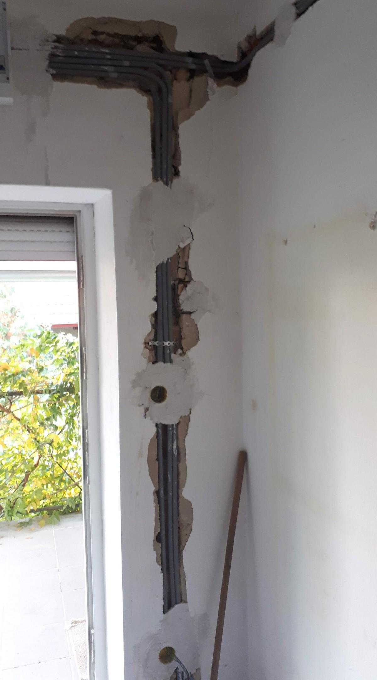 Villanyszerelés Budapest környékén - Villanyszerelés gipszkarton falban